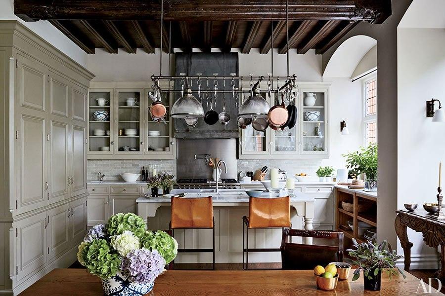 item8.rendition.slideshowHorizontal.natalie-massenet-london-home-09-kitchen.jpg