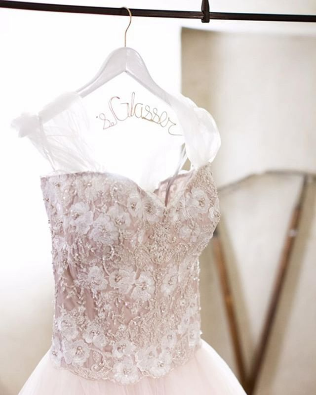 We will always love the details of our #wtoo maelin corset. The color and intricate beading are so pretty! Thanks @haley_reid for sharing your gorgeous images! 💗