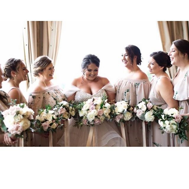 More gorgeous photos from @haley_reid! Love these flowers and her beautiful bridesmaids, too! Perfection. ✨