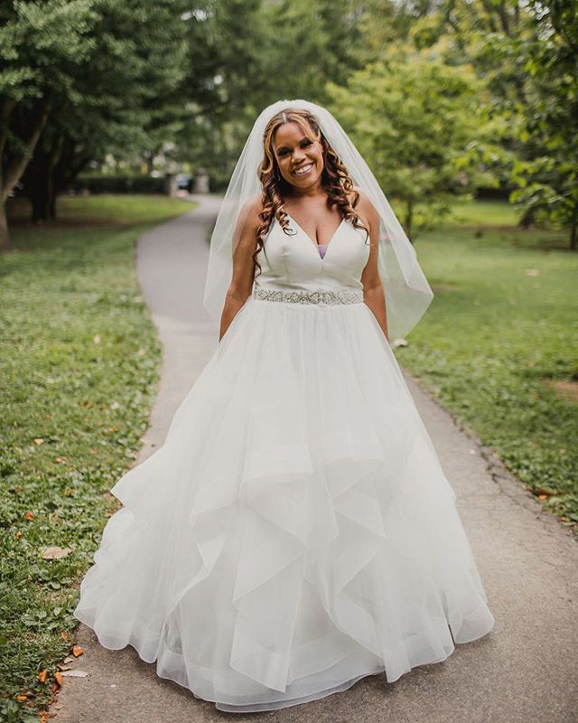 Ayana was absolutely gorgeous on her wedding day! Thanks for choosing Ivory! 💋💗🎉💍 Photo by @kelleyrayephoto Make up by @iambarbielee