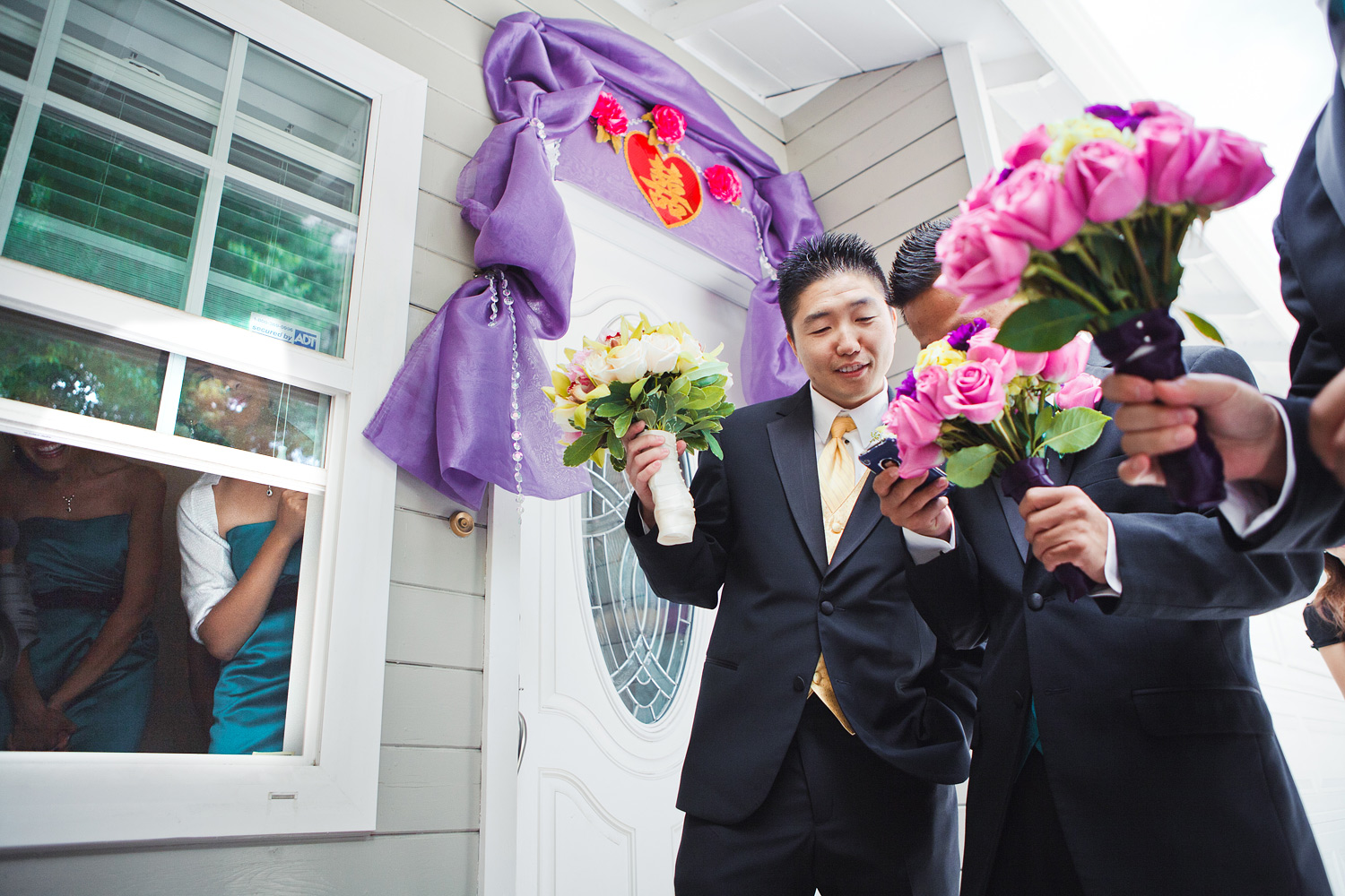 Chinese Wedding Door Games | Stephen Grant Photography