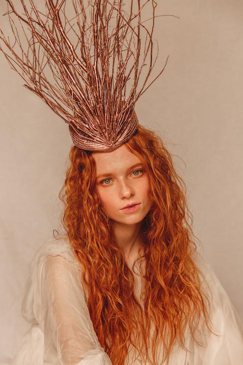 natural-makeup-freckles-jennifer-ellis.jpg
