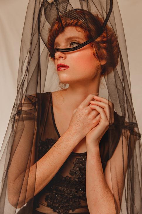 editorial-natural-makeup-freckles-jennifer-ellis.jpg
