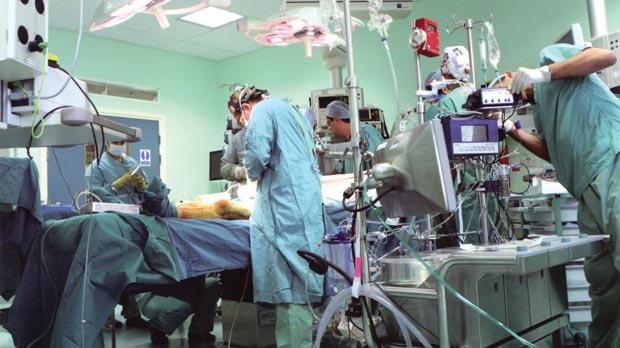 Nurse assaults surgeon after surgery