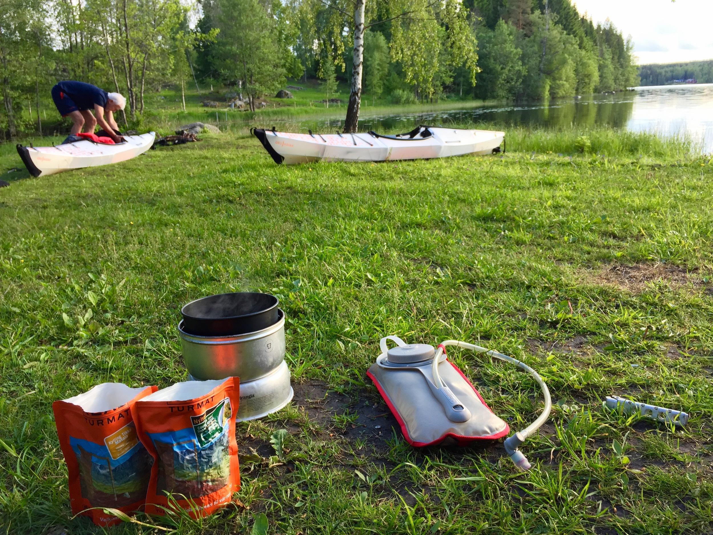 Assembling and packing Kayaks