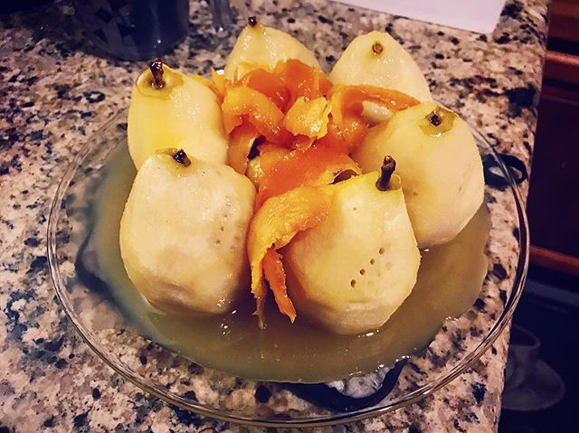 Poached Pears for tonight's GoT menu. Los Angeles, April 2019. w/ @fuzzyfoot88 @allthenah @outatownerksu  #gameofthrones #got #gameofthronesseason8 #thelongnight #winterfell #nightking #cooking #pears #poachedpears #afeastoficeandfire #receipecooking #dessert #orangepeel #caramelsauce #foodporn #instafood #snacks #losangeles #socal #california #explorer #writer #director