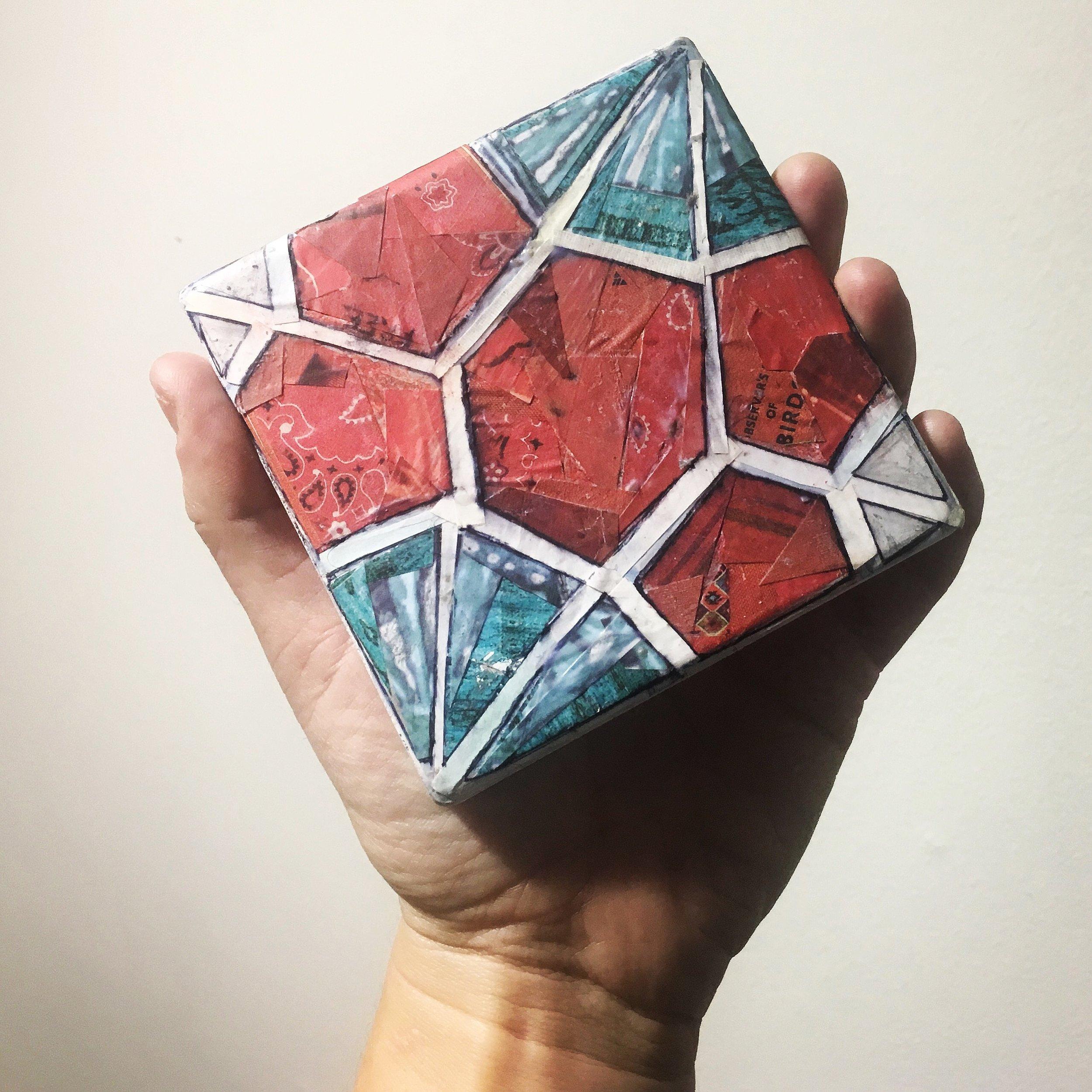 red turq floral tile single.JPG