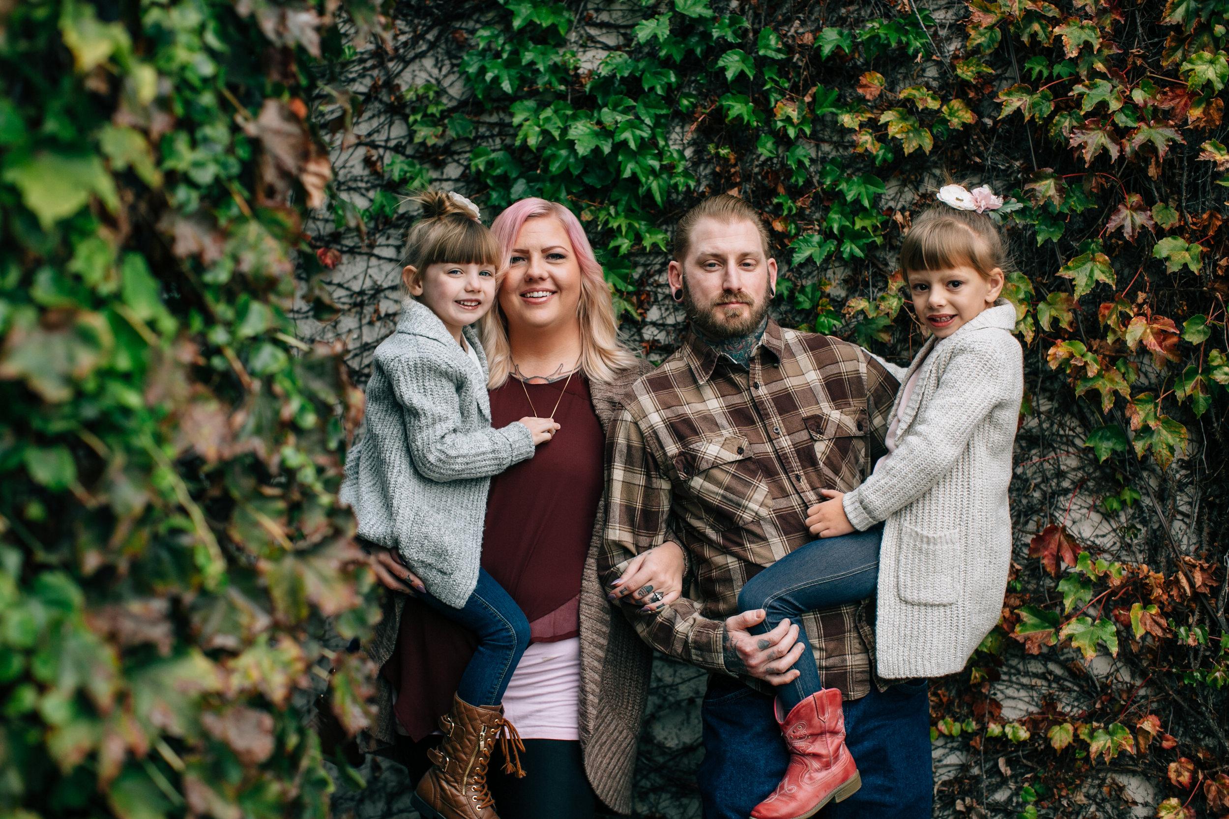 Salazar Family, 2016 (2 of 40).jpg