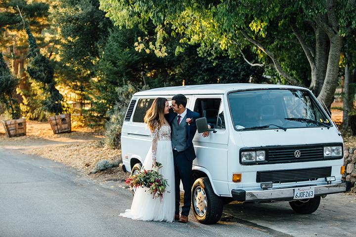 Modern-Intimate-Wedding-Hannah-Kate-1.jpg