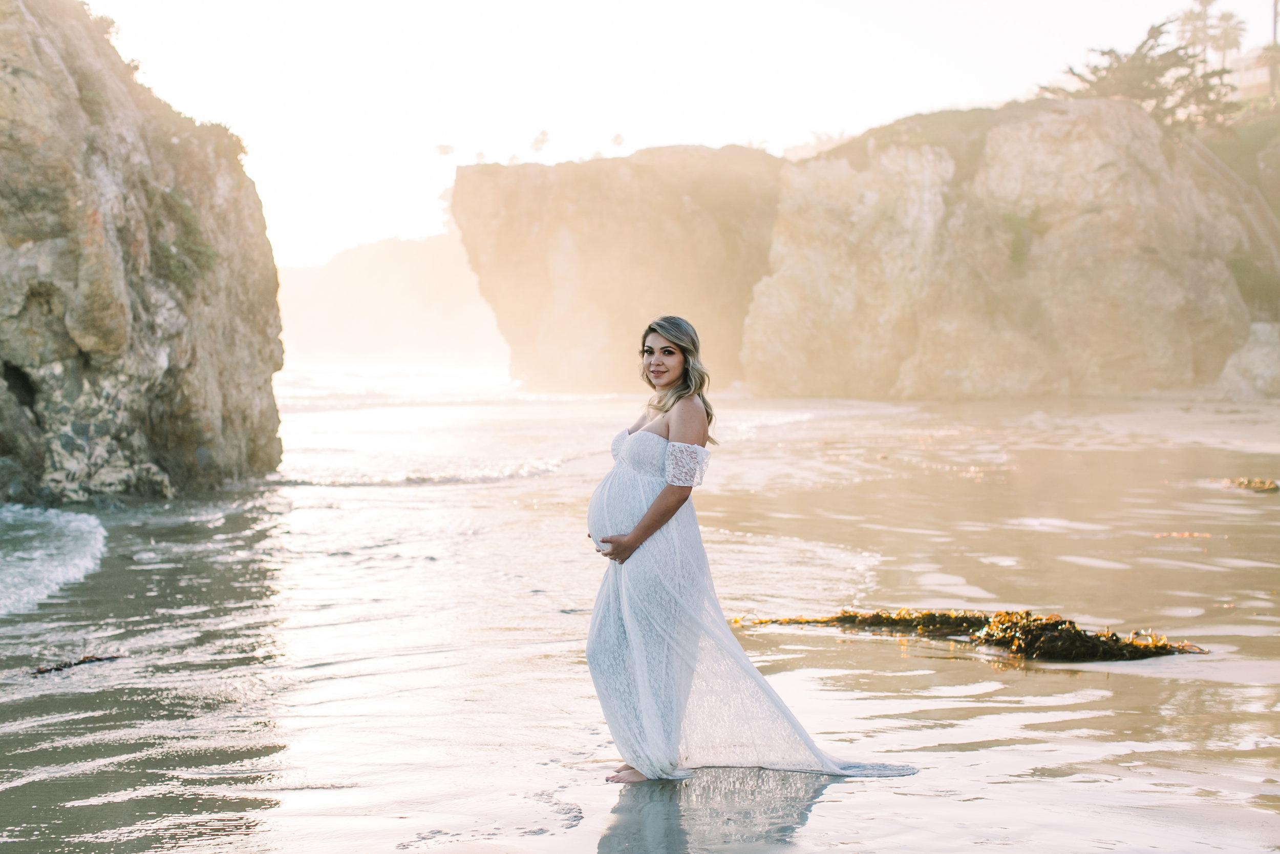 alabama-sunset-romantic-maternity-photos (28 of 40).jpg