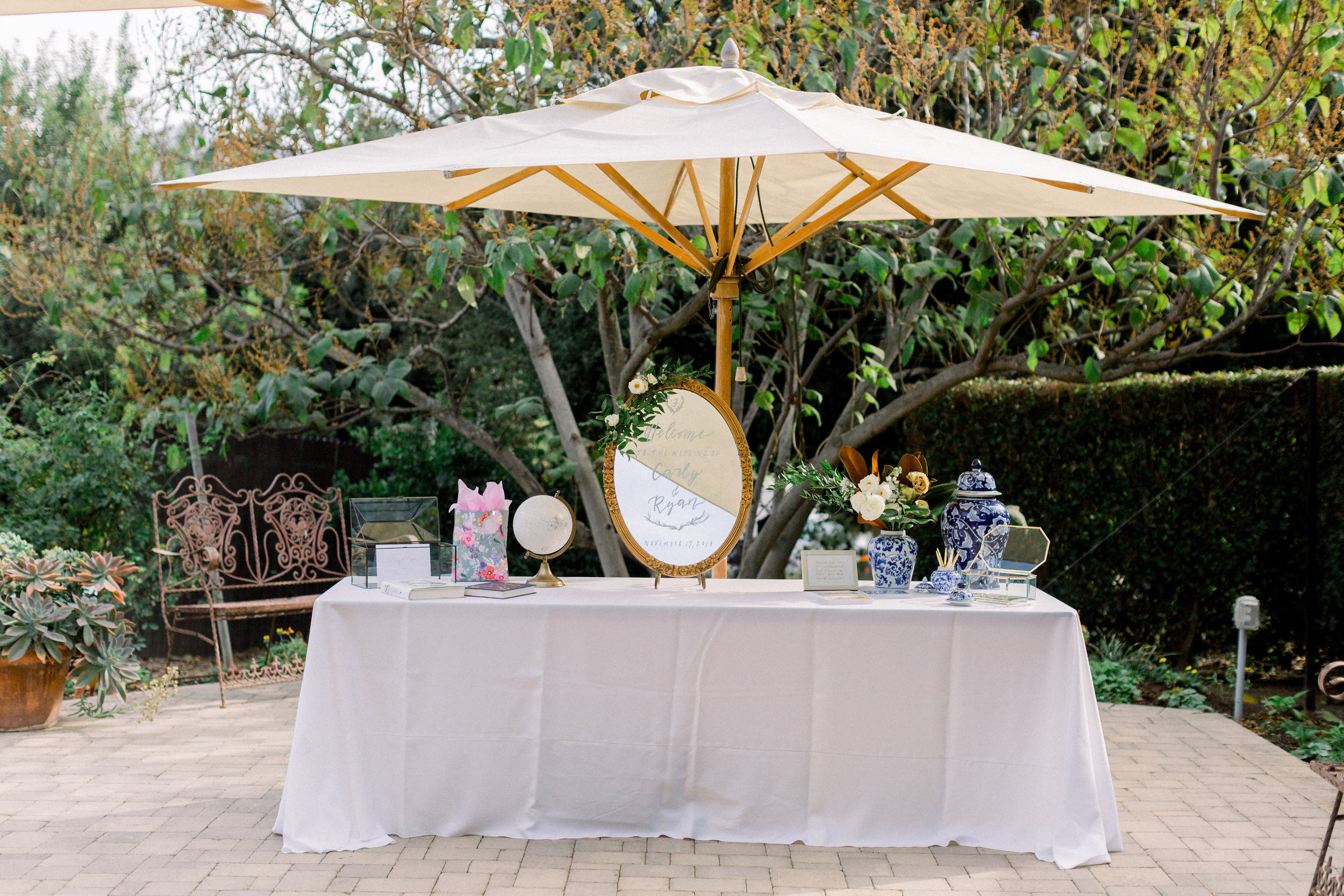 8' TABLE WITH LINEN FOR GUESTBOOK AND GIFTS - INCLUDED