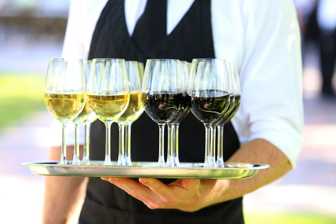 Camarillo wedding caterer serving drinks