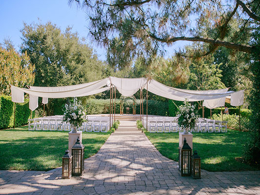 Wedding decor rentals are offered at the Orange County wedding venue.