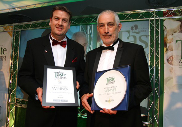 Bob receiving the Taste of Dorset Award, presented by Andy Dike of Dike & Sons. Photo by Jane Norman.