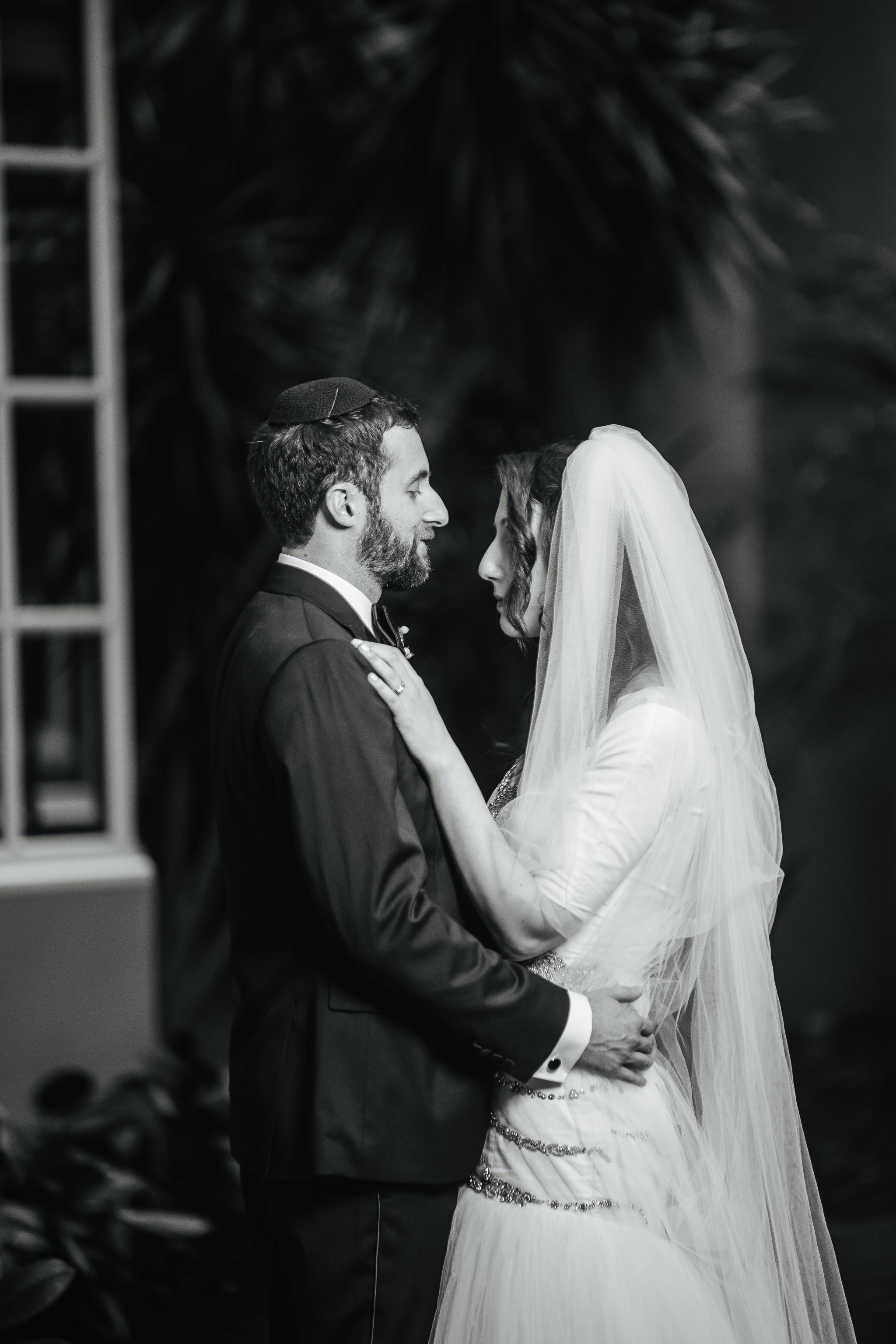 Michael & Sarah - Eliau Piha studio photography-1030.jpg