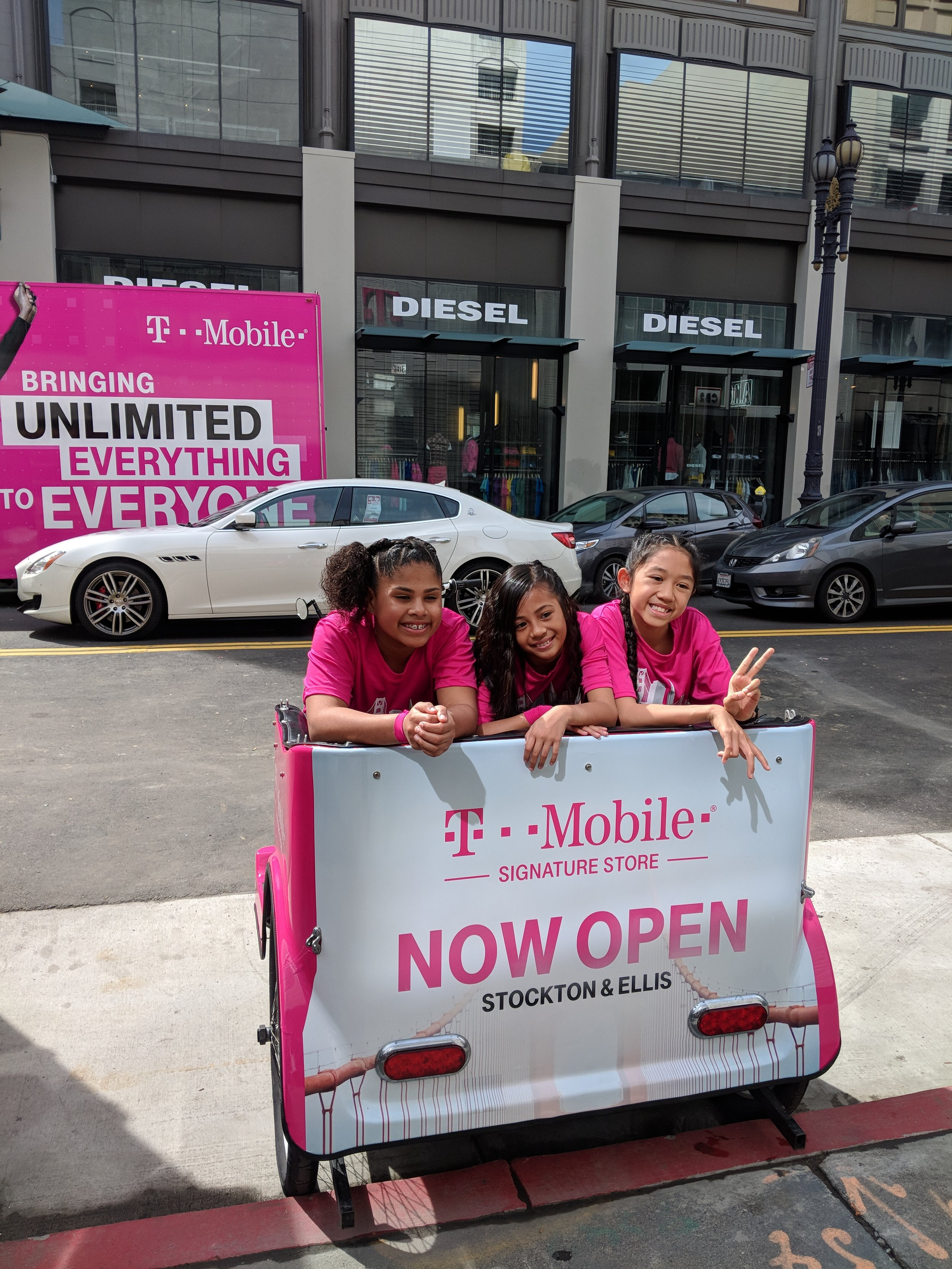 Another Magenta Summer With T Mobile Cabrio Taxi Pedicabs