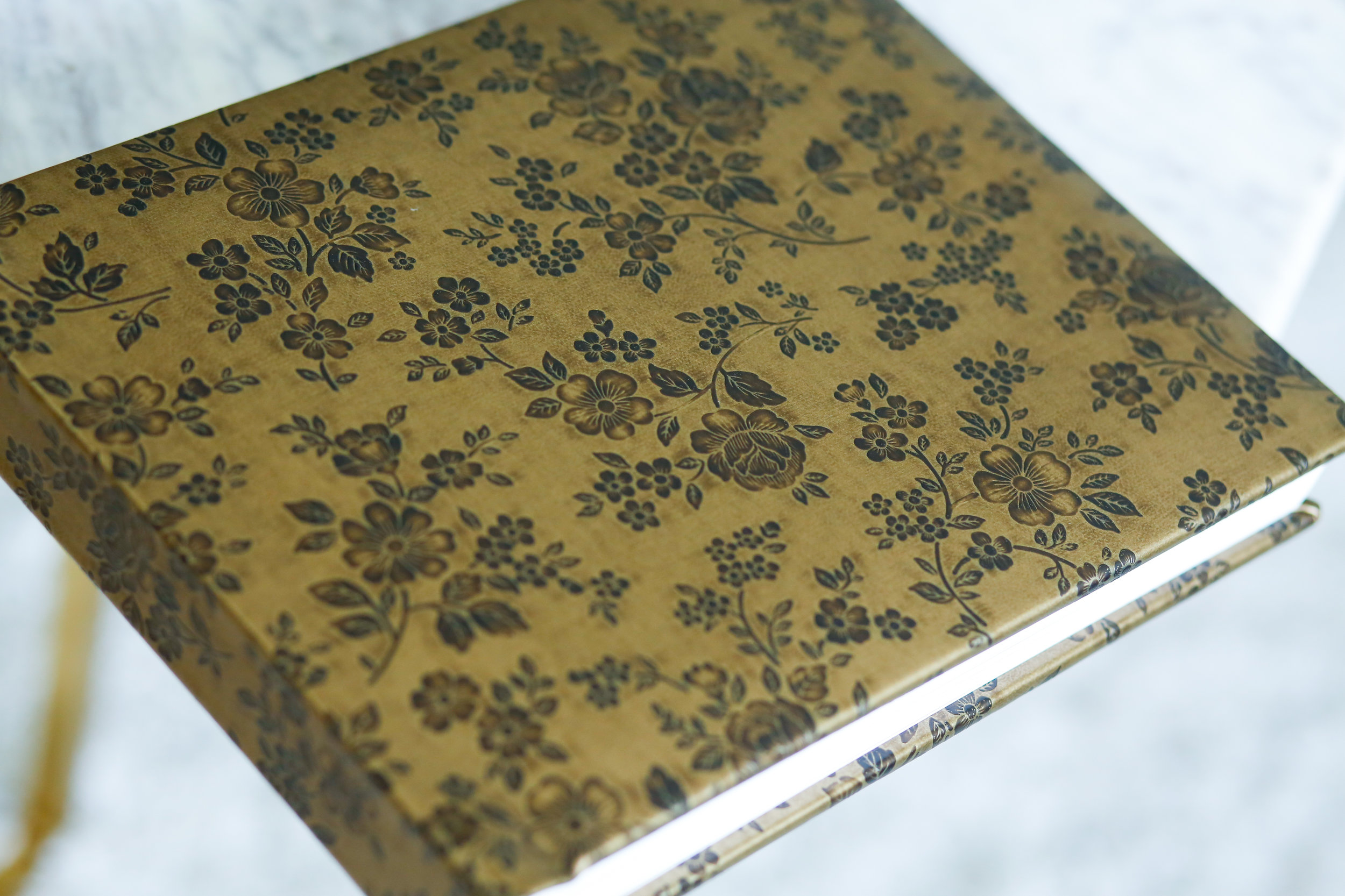 Designer Faux Leather Album in Bronze Blossom