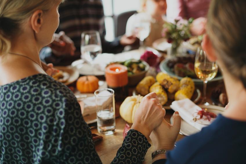 Thanksgiving Food family 106279305_SMALL.jpg