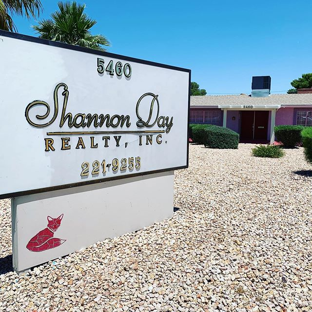 It's been here for years, but Shout-out to #ShannonDayRealty in Las Vegas for this tribute to the late, great Redd Foxx. This office building used to be his home years ago. #legend #reddfoxx #comedy #icon