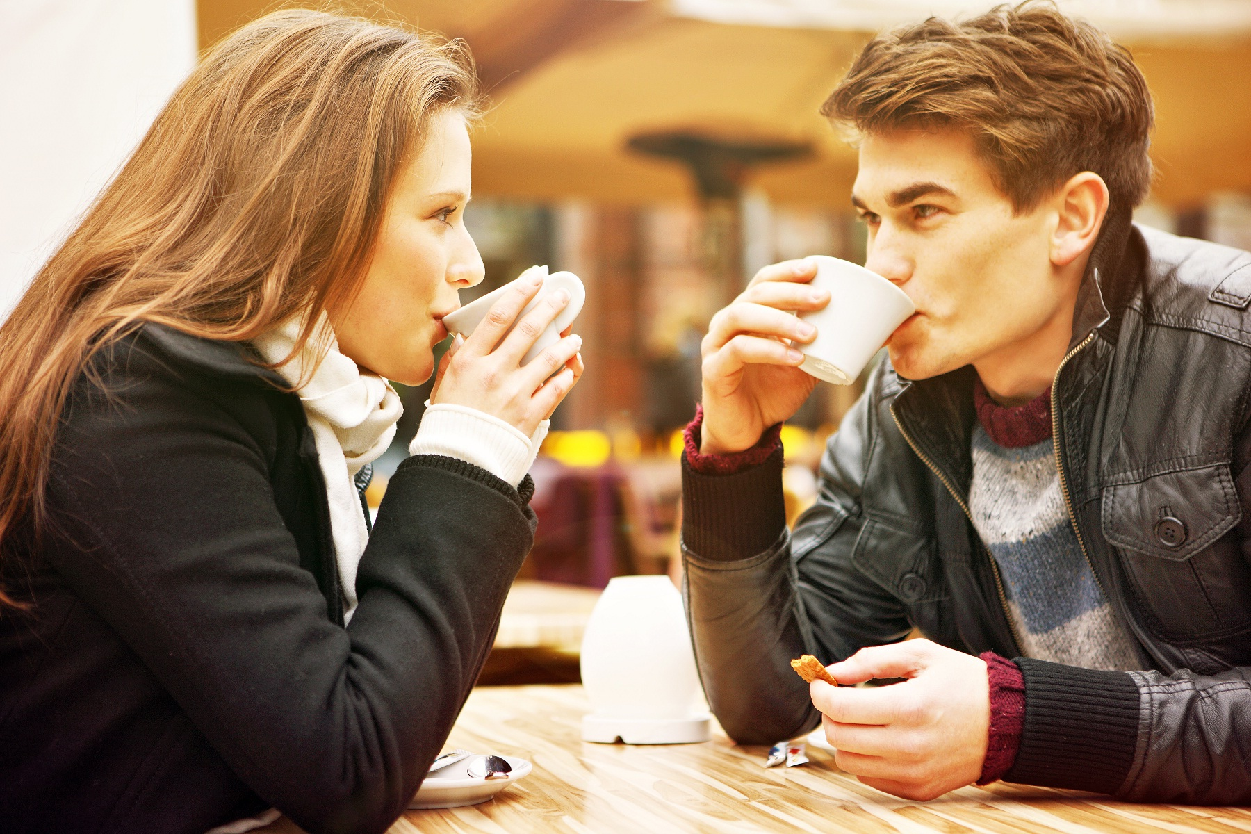Are you dating an emotionally unavailable man?