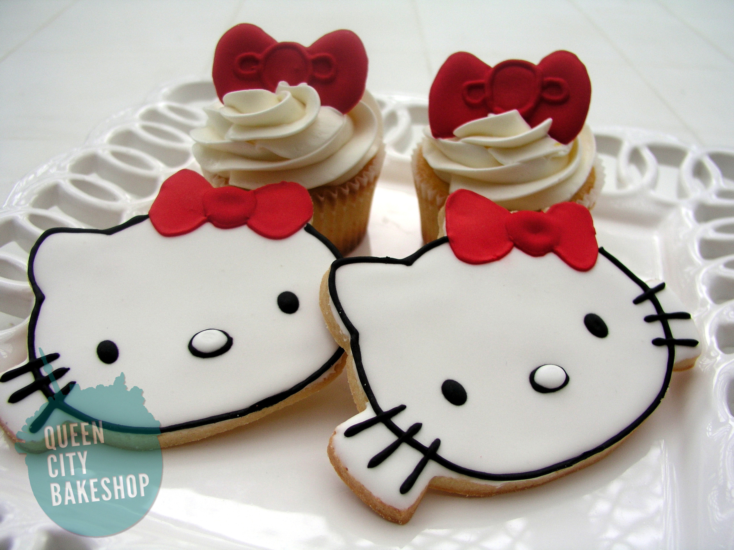 Hello Kitty Cookies and Cupcakes