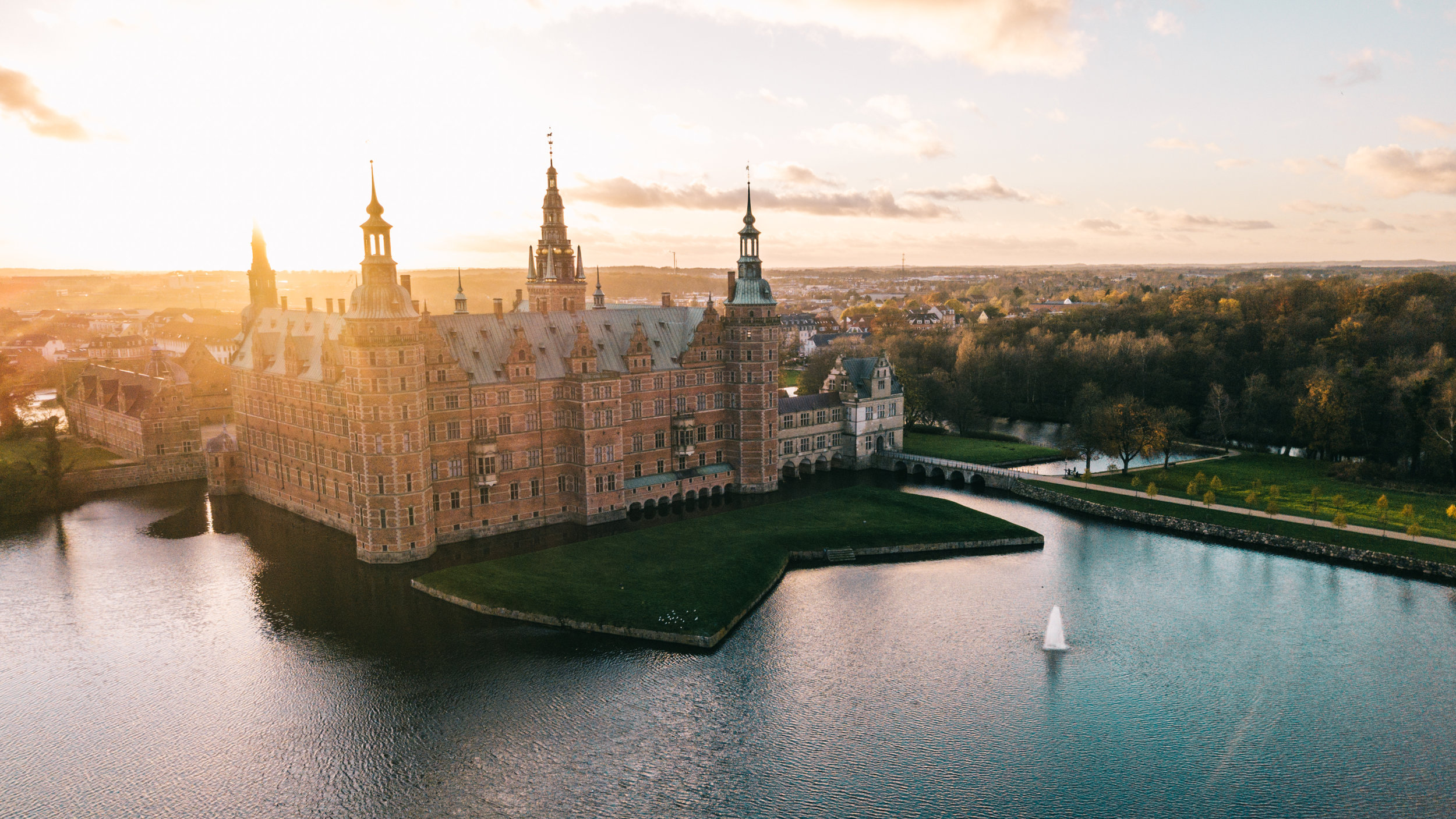 The palace as seen from above the castle lake.