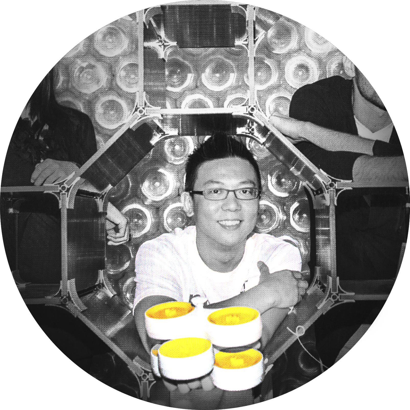張詠竣 EDDIE CHANG / CHIEF MAGIC FINGER OFFICER /  product development     eddiechang@huemondesign.com     www.eddiechangdesign.com