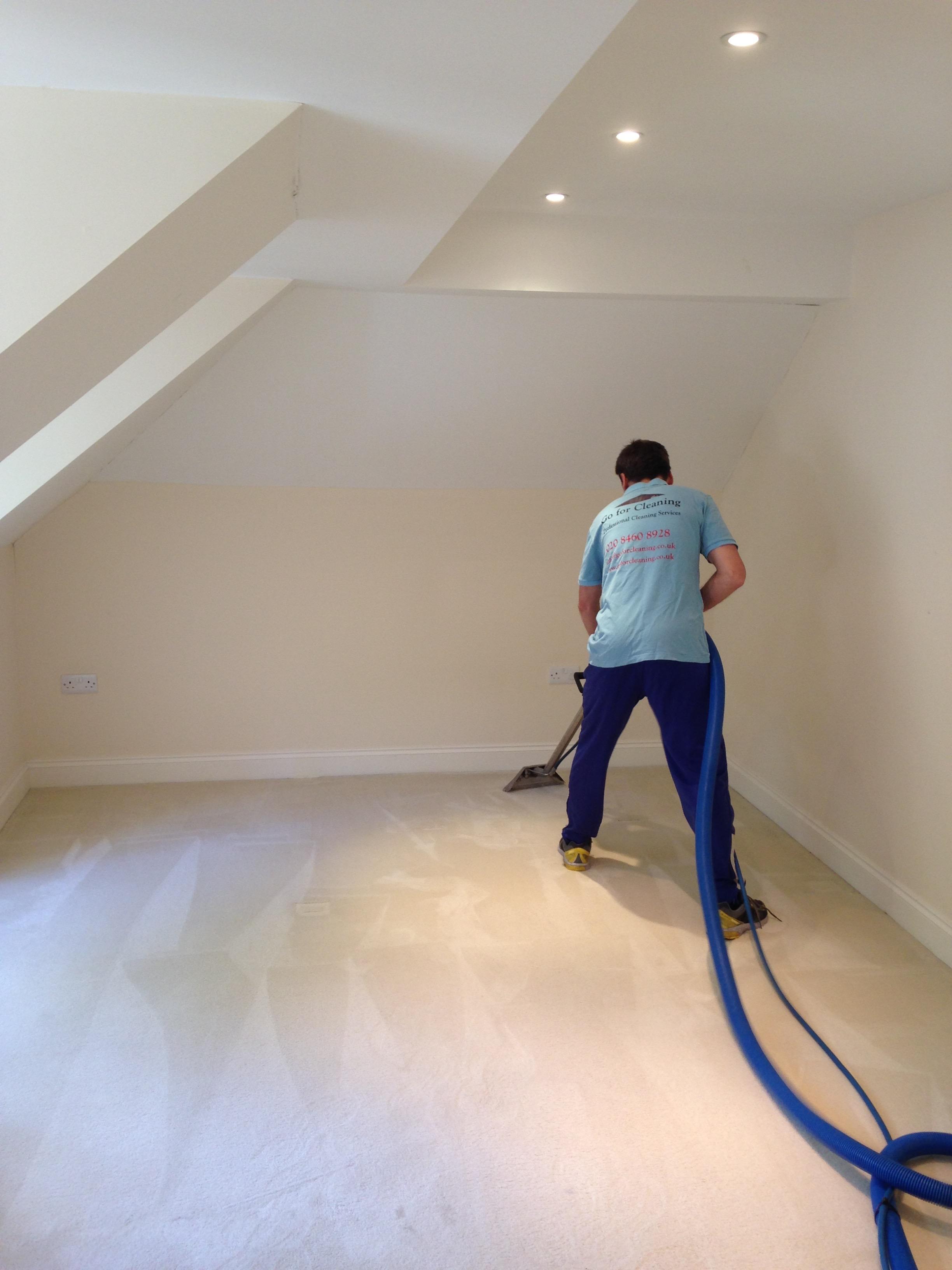 bedroom carpet cleaning.jpg