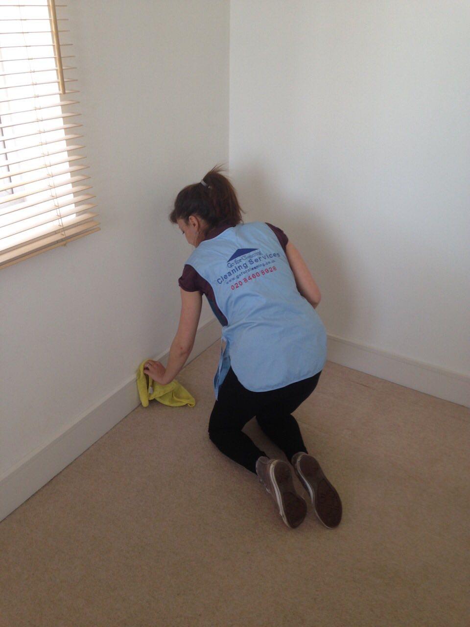 end of tenancy cleaner Kensington.jpg