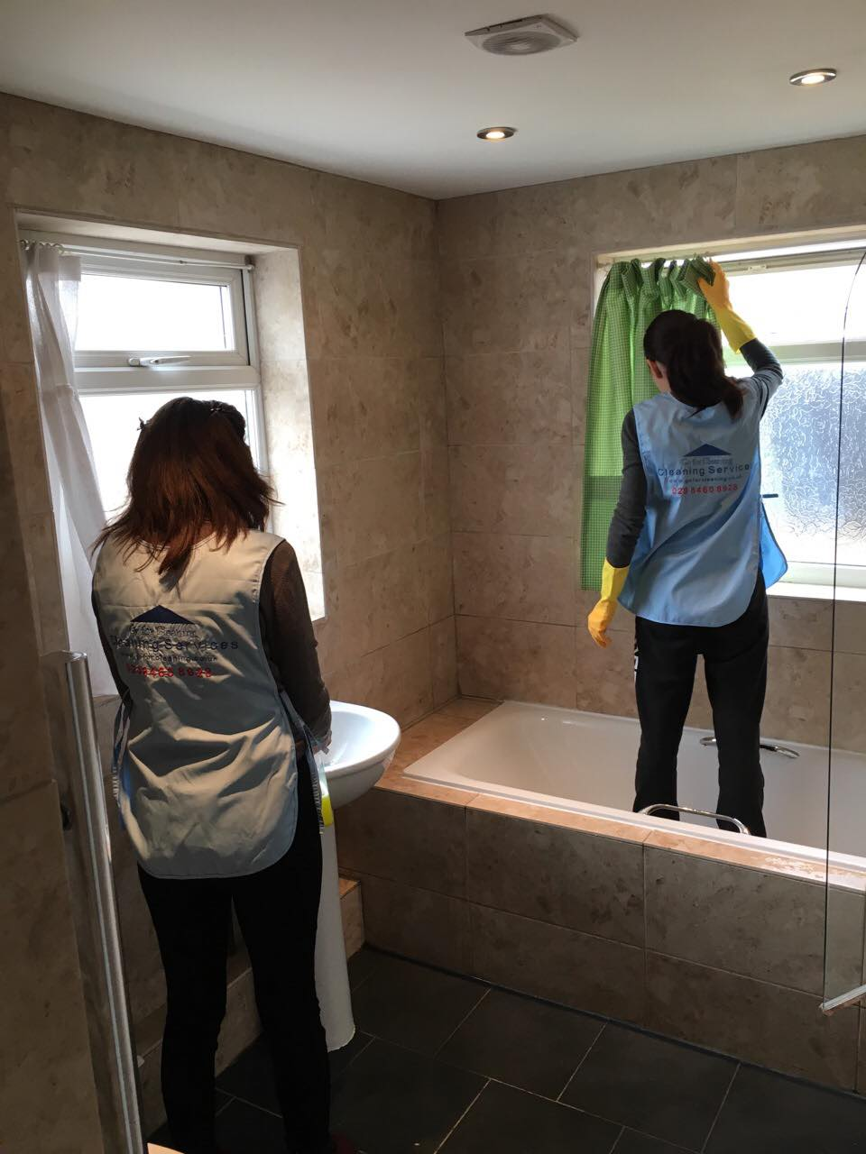 Cleaning Bathroom as part of Move Out Clean in W4.jpg