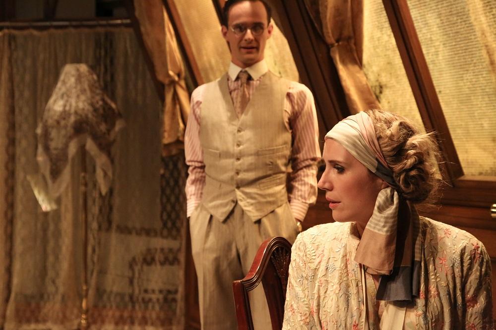 Lawrence Olsworth-Peter & Louisa Tee (OperaUpClose's  La Traviata , Soho Theatre 2014)