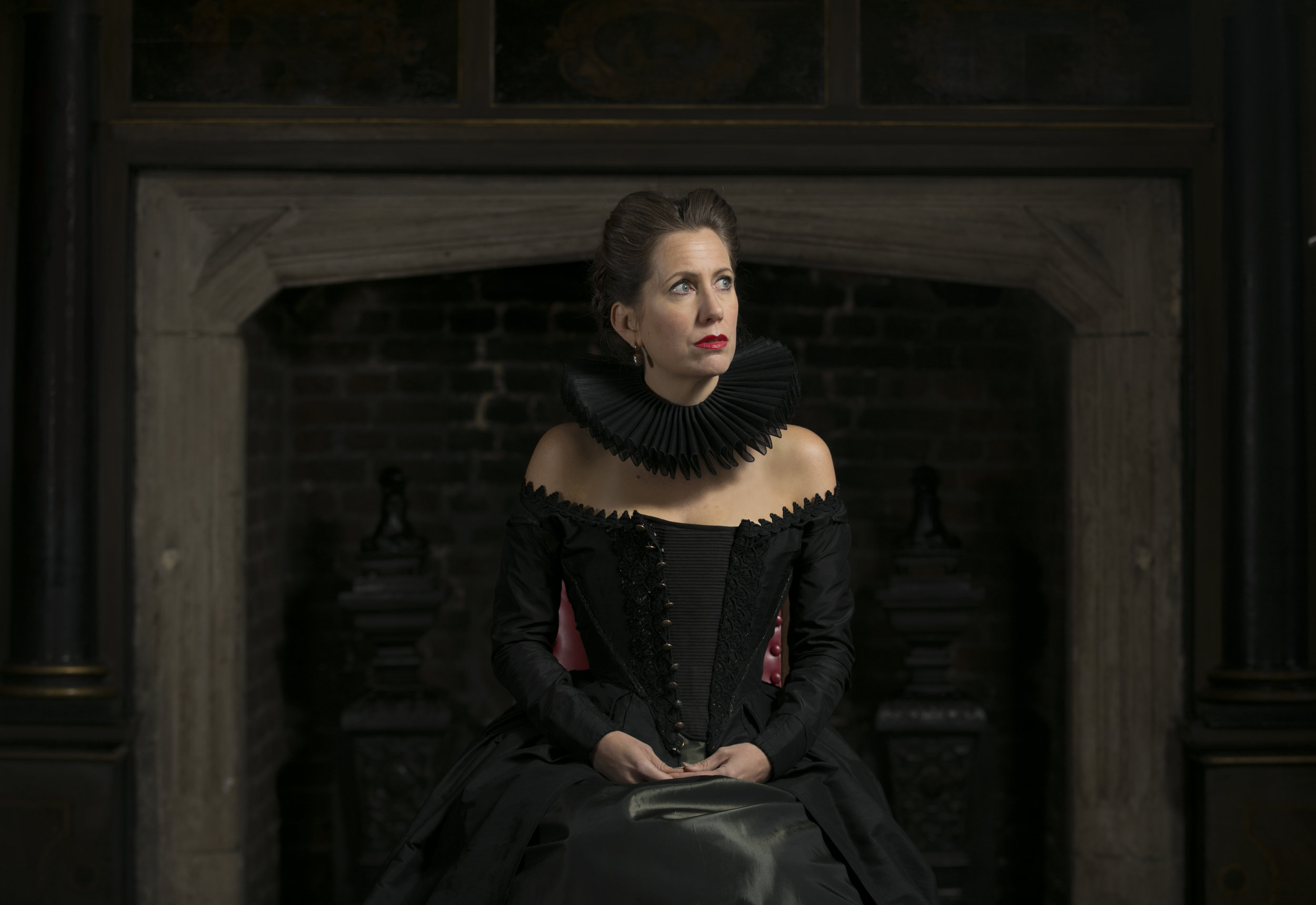 OperaUpClose. MARY, QUEEN OF SCOTS. Photo by Andreas Grieger (2).jpg