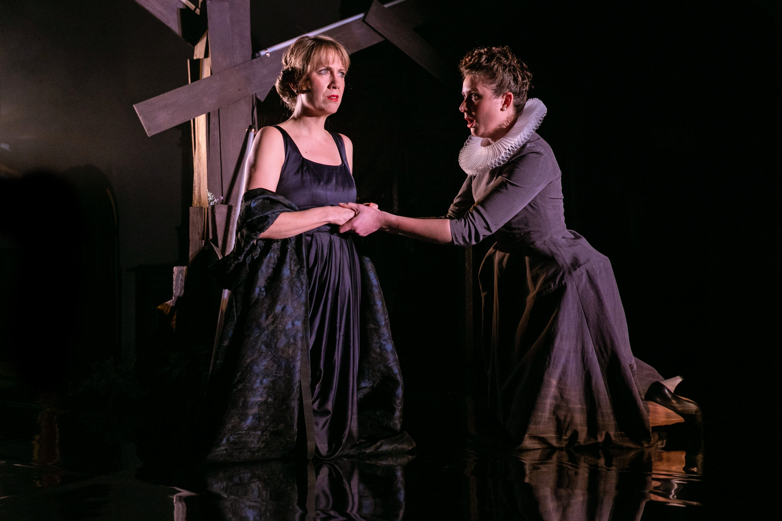 OperaUpClose. Flora McIntosh, Emma Watkinson. By Andreas Grieger.jpg