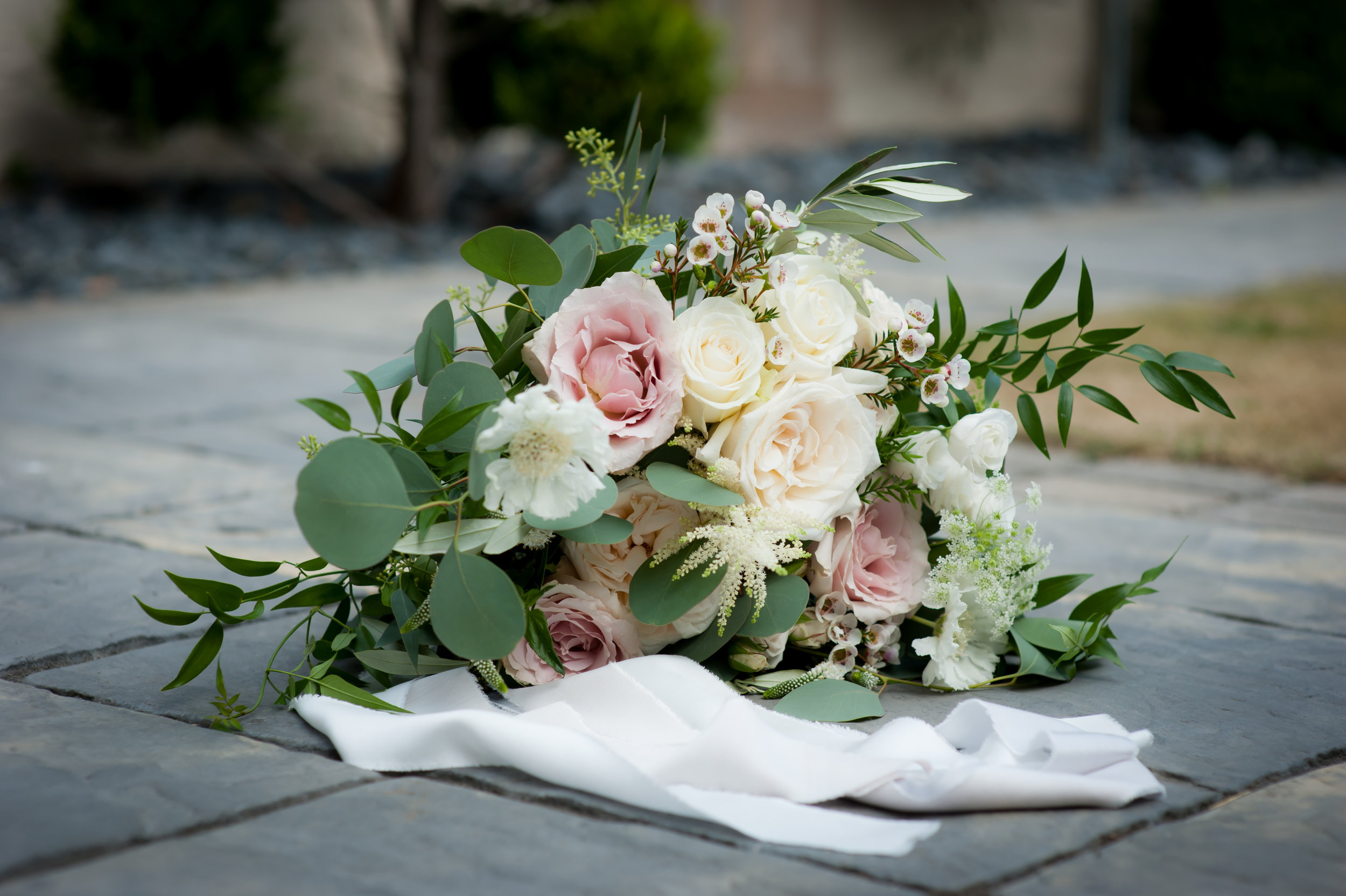 Blush and white summer bridal bouquet