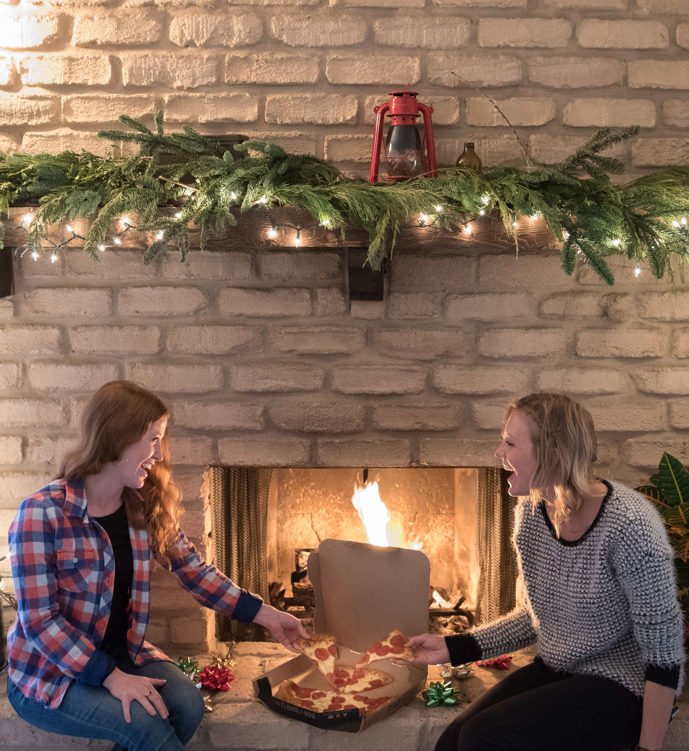 pizza hut christmas (3 of 7).jpg