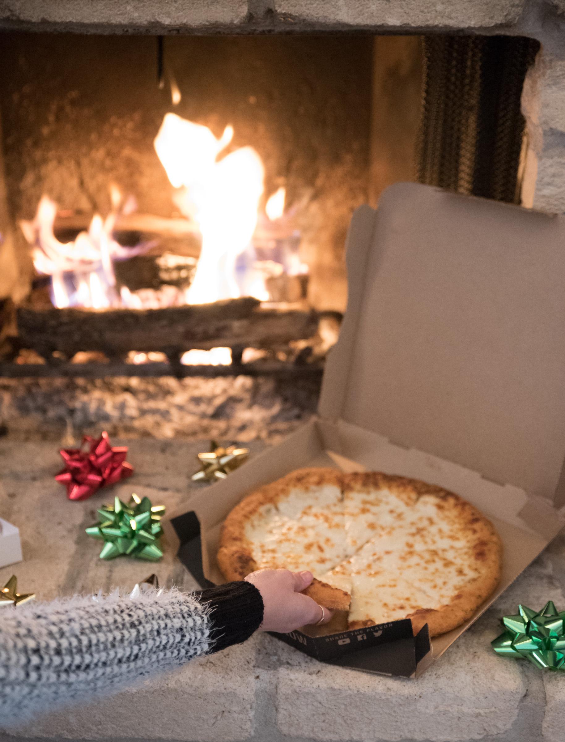 pizza hut christmas (2 of 7).jpg