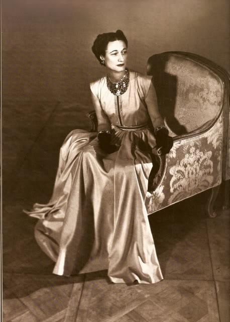 duchess-of-windsor-in-platinum-dress.jpg