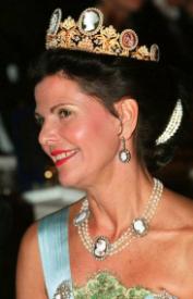 Queen Silvia in the Cameos