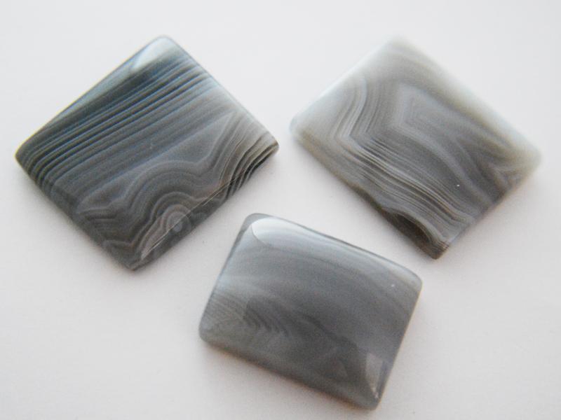 Grey Lace Agates (Cushion).JPG