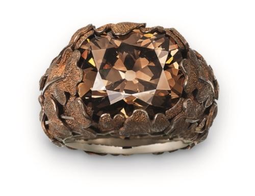 Hemmerle ring, diamond, copper, white gold, Courtesy of Hemmerle