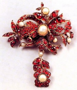 An Example of the Mass Produced Items Typical of the Bohemian Garnet. (Photo Courtesy The National Czech & Slovak Museum & Library)