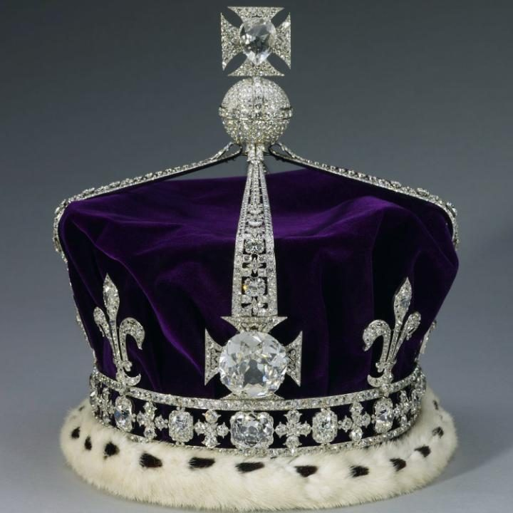 The Kohinoor diamond, set in the Maltese Cross at the front of the Queen Mother's crown CREDIT: ROYAL COLLECTION TRUST