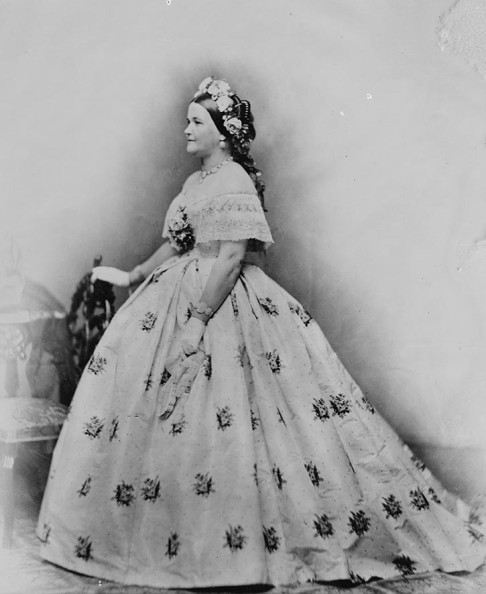 First Lady Mary Todd Lincoln wearing the Tiffany seed pearl jewelry demi-parure.