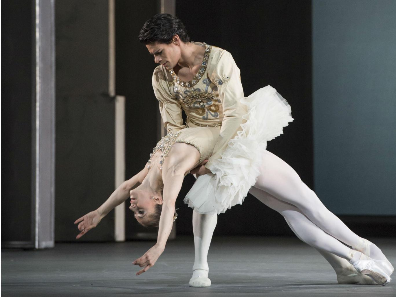 Marianela Nuñez and Thiago Soares in 'Diamonds' (Photo Credit Bill Cooper)