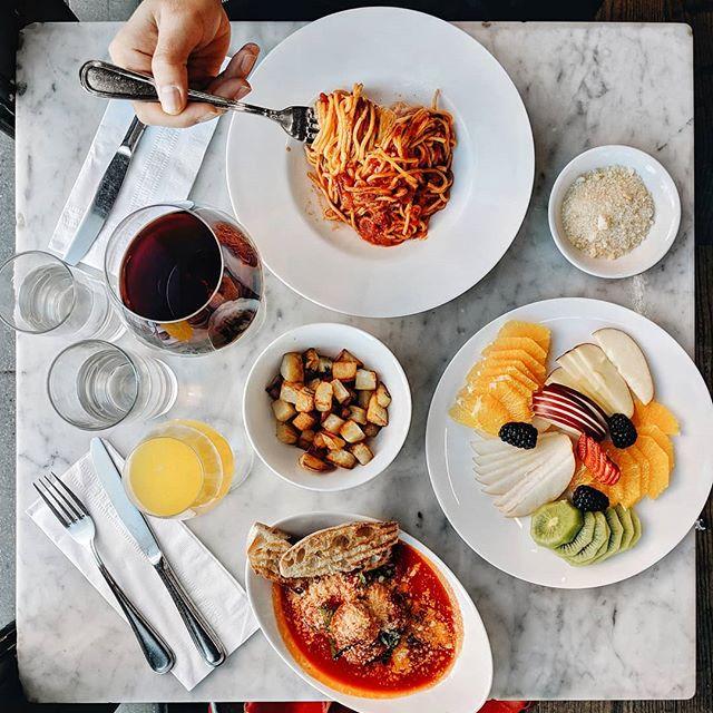 Upper West Side. Spaghetti, frutta, patate, polpettine.