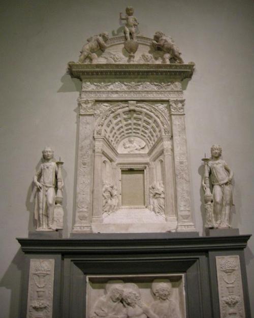 Рис.6 Дезидерио да Сеттиньяно, Дарохронительница, базилика Сан-Лоренцо, Флоренция