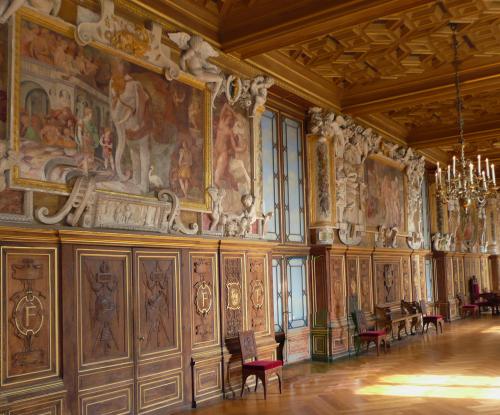 Рис.14 Галерея Фрэнсиса I в Фонтенбло, 1530-47