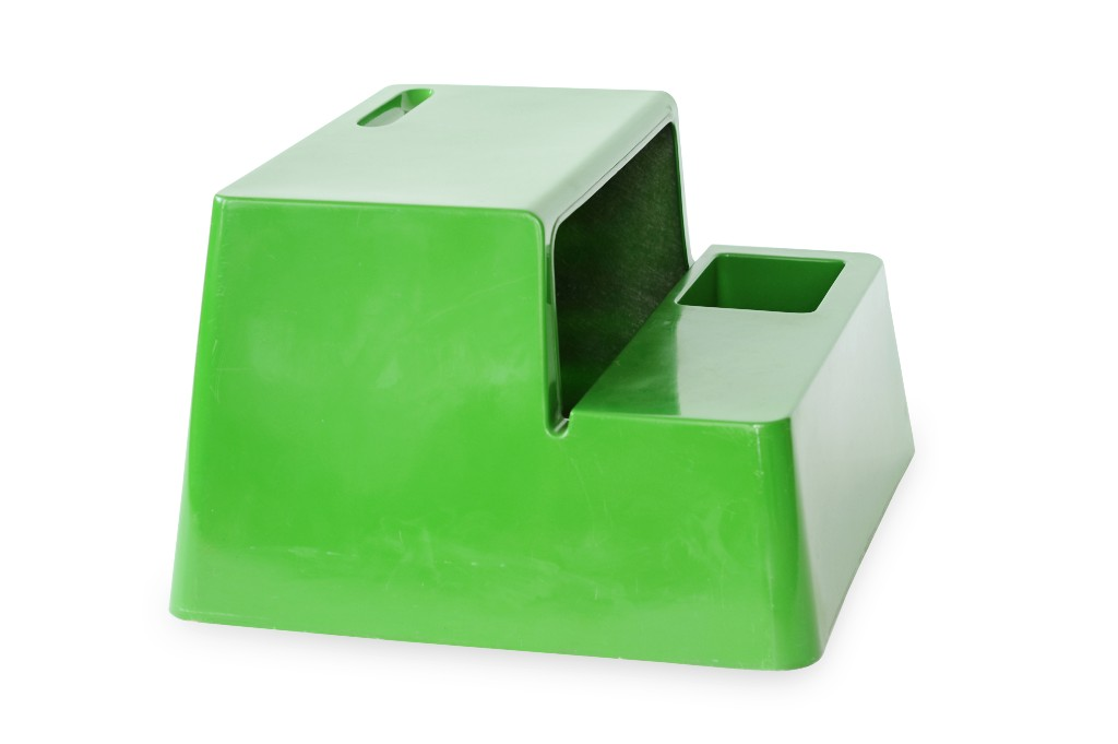 """Marc Berthier designed the single-material all-in-one OZOO mini desk in glass-reinforced polyester for French furniture company Roche Bobois in 1970.""""When our daughters were small we had an OZOO desk for them and they just loved it,"""" Peter Fiell says, """"mainly because they could crawl inside it and use it as a quasi fort."""" Photo by Lora Appleton"""