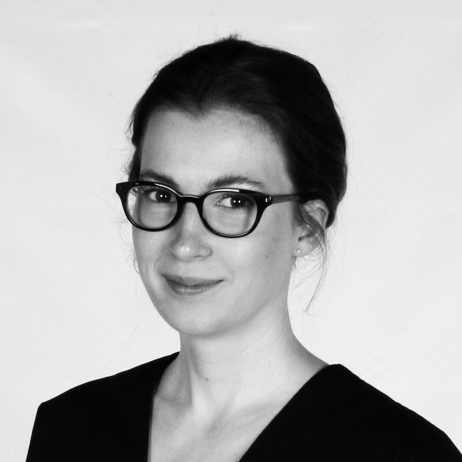 FRANCES VIGNA   SENIOR EDITOR / FEATURES WRITER