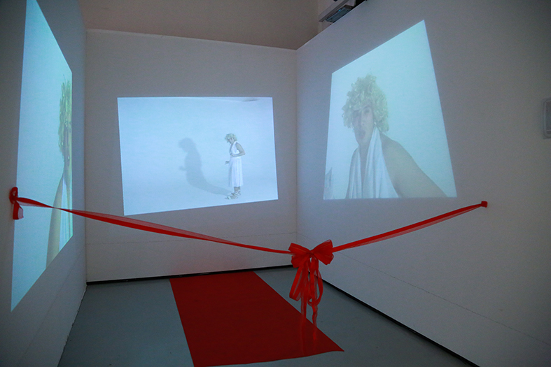 MARILYN MONROY: THE EIGHT YEARS ITCH    Installation  2014